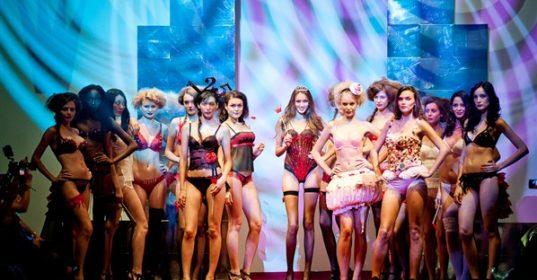 AAF 2011-Triumph Show (19) 1